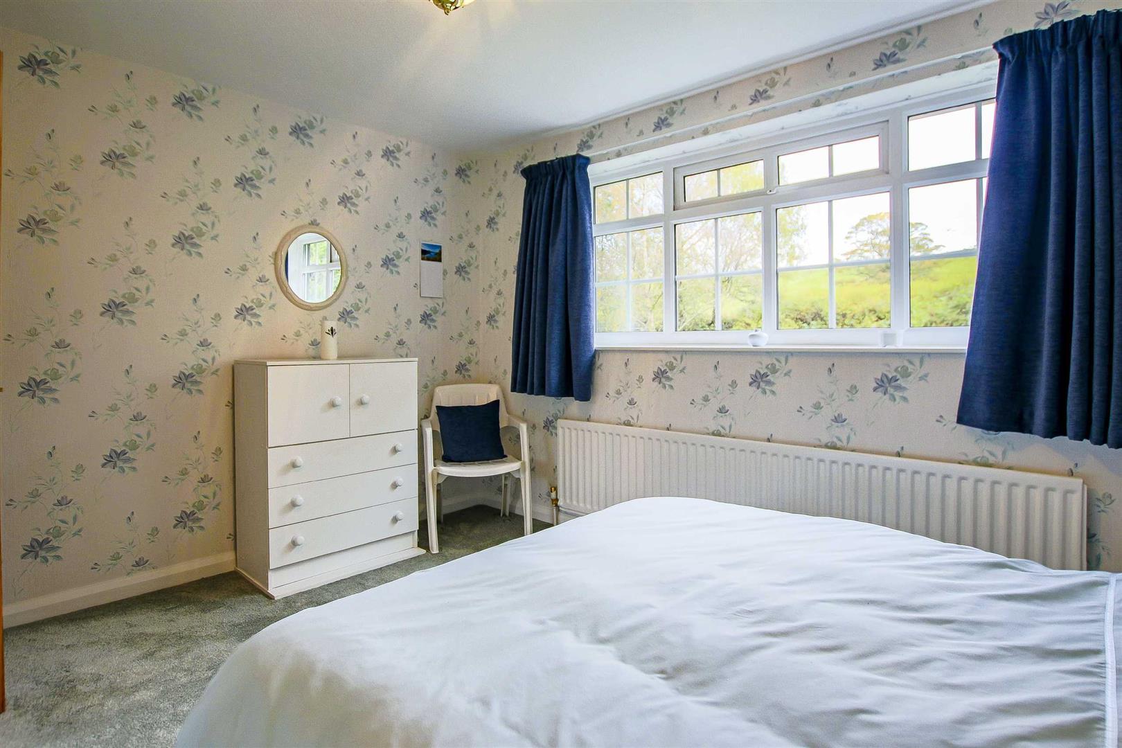 5 Bedroom Detached House For Sale - Image 15